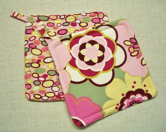 Pink Floral Potholders, Insulated Pot Holders, Set of 2 Hot Pads, Trivets, For the Cook, For the Kitchen
