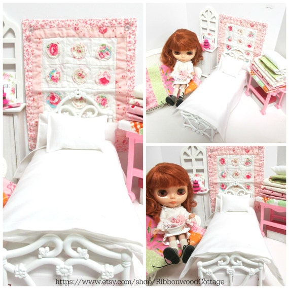 Blythe Custom  Basic Pillow, Sheet and Mattress Set-1:6 Scale Doll bed