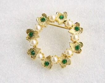 Hearts Pearls Brooch Vintage Open Round Circle Pin Emerald Green Rhinestones Hearts Pearls