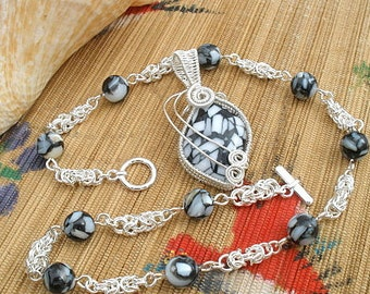 Black white bowlerite mother of pearl chain maille necklace pendant set handmade