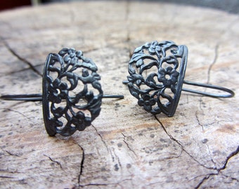 Oxidized flower earrings in sterling silver, Floral dangle earrings
