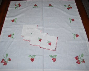 Vintage Tablecloth with Napkins Sweet Fresh Strawberries on Linen