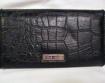 Vintage Steven Madden Bill Wallet  with lots of Room Black  Faux  Leather  On Clearance  Now
