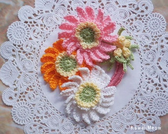 Kawaii Crochet Flower Corsage Brooch - Daisies and Mimosa -