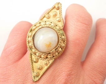 SALE --- Size 5 Adjustable Vintage India Goldtone Ring with Huge Agate Accent