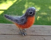 Needlefelt Robin Tiny Bird MIniature