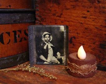 Vintage Tin Maple Sugar Mold With Pioneer Woman Photo, Maple Surgar Candy Block, Vintage Tin Mold, Primitive Tinware, Primitive Decor