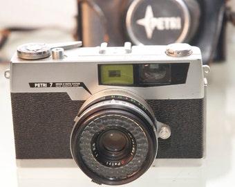 Vintage Camera 35mm Rangefinder Petri 7 with Case