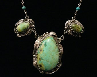 Vintage Native American Style Sterling Silver Green Turquoise Necklace