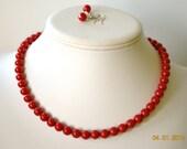Boucle d'oreille et collier de perles de corail rouge Swarovski Perle simple brin mis grandes Brides ou cadeaux de demoiselle d'honneur