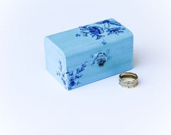 Blue Wedding Ring Bearer Box - Pillow Alternative Jewelry Box - Elegant, Floral, Rustic