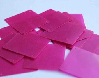 15 pcs  sequins.......Pink color square shape