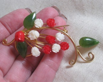Vintage tiny carved roses pin, red cream roses brooch pin, glass flowers jade leaves pin brooch, goldtone metal Valentine gift