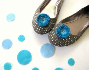 Shoe clips with handmade fabric flowers, fabric flowers, sheer voile poppies, wedding accessories (set of 2 pcs )- TURQUOISE BLOSSOMS