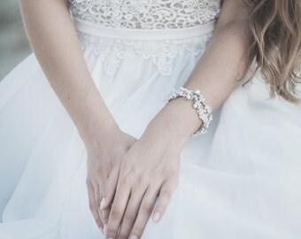 Wedding Bracelet, Pearl Bracelet , Bridal Bracelet , Ivory Wedding Bracelet , White Opal Bracelet,  Swarovski Crystal Bracelet