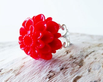Red flower ring.  Silver filigree ring.  Silver lace ring.  Red dahlia ring.  Red ring.