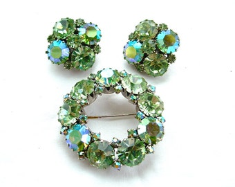 Signed WEISS Designer Vintage Jewelry Set Pastel Peridot Aurora Borealis Weddings Bridal Jewelry