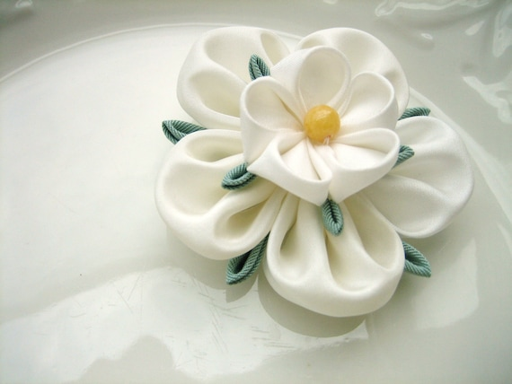 tsumami kanzashi flower instructions