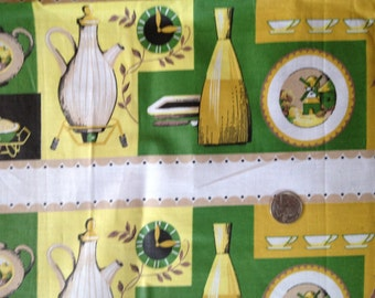SALE-20%-3 1/2 Yard Vintage Cotton Chintz Decorator Print