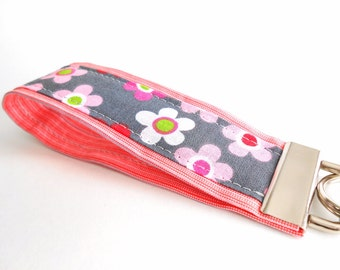 Wristlet Keyfob Keychain in Pink and Gray Flowers~ Gift for Mom, Sister Present, Coworker Gift Idea, Teacher Christmas Gift Idea 5 inch