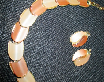 vintage costume jewelry   / thermoset necklace and earrings