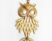 SALE 1970s Gold & Cream Owl Necklace
