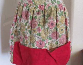 Dirty Vintage Cotton Garden Half Apron - Floral w Red Pocket