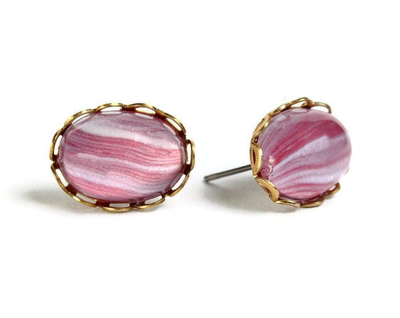 Red and white hand painted brass hypoallergenic stud earrings (435) - Flat rate shipping