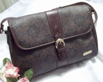 Beautiful Liz Claiborne Brown Paisley Print Faux Leather Shoulder Bag  Womens - Vintage