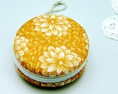 6.5cm Macaron / jewelry pouch / Macaron coin purse / ear phone case -- 2 color options -- Lotus