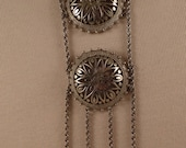 VENDOME Unusual Chain and double Flower pendant Necklace Silver Tone