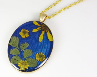 Daisy and Sunflowers, Pressed Flower Pendant, Real Flowers,Pressed Flower Jewelry, Resin (1435)