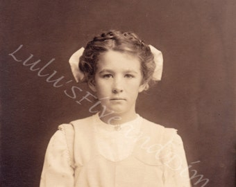Instant Download - Vintage  Photo - Beautiful Portrait of Edwardian Girl