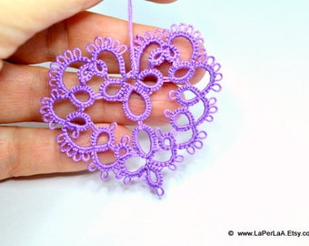 Tatted  Embellishment Applique heart in violet - 1pcs hand tatted decoration for scrapbook,  embellishment or decoration