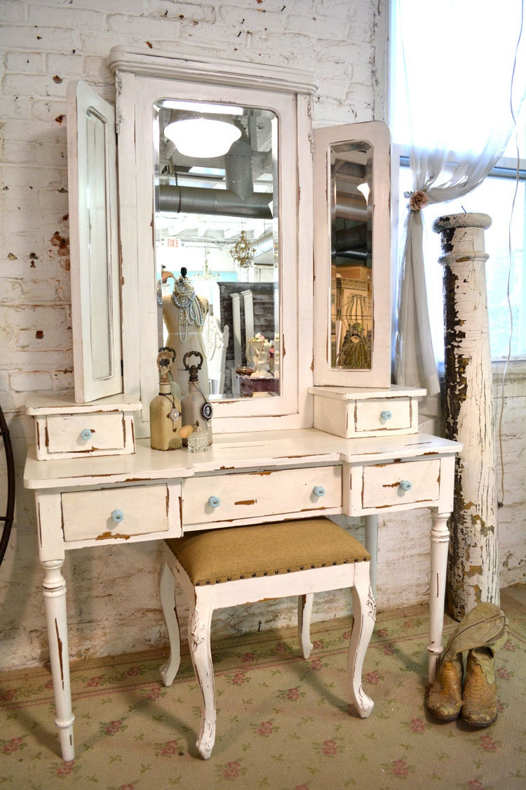 Cottage peint chic minable romantique meuble et tabouret van64 for Meuble romantique chic