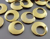 4 shiny gold 18mm modern crescent moon circle pendants, metal findings, supplies for jewelry making 1855-BG-18 (bright gold, 18mm, 4 pieces)