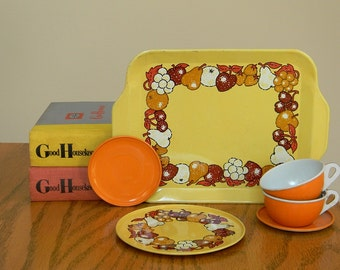 Vintage Set of Orange and Yellow Metal Toy Dishes