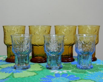 Vintage Set of 7 Amber and Blue Daisy Drinking Glasses