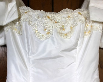 FREE SHIPPING Vintage Victor Costa Beaded Wedding Dress    Size Small