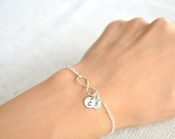 Sterling Silver Personalized Infinity Bracelet - Best  Friend, Anniversary, Wedding, Bridesmaids Gift, Bridal Gift, Mother of the Bride