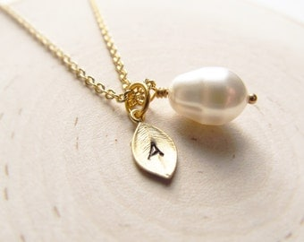 Gold Personalized Necklace, Teardrop Pearl with Initial Charm, Wedding Jewelry, Bridesmaid Necklace, Gold Initial Necklace, Pearl Jewelry