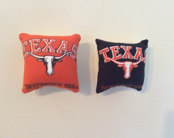 University of Texas Longhorns Pillow Magnet