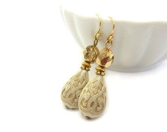 Ivory & Gold Earrings - Teardrop Earrings - Fire Polished Glass - Vintage Style Wedding Bridal Earrings - Creme Earrings