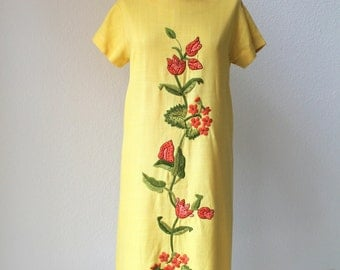 vintage 60's heavily embroidered flower yellow linen dress.