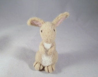 Needle Felt Animals, Needle Felted Bunny, Felt Animals, Needle Felt, Forest Animal, Woodland Animals, Handmade, Animals, Easter , Rabbit