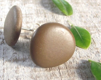 Beach stone jewelry. Silver studs. Eco friendly gift. Sea rocks from Spain by Oceangifts.