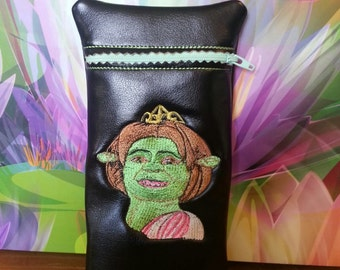 Custom glass pipe pouch Princess Fiona