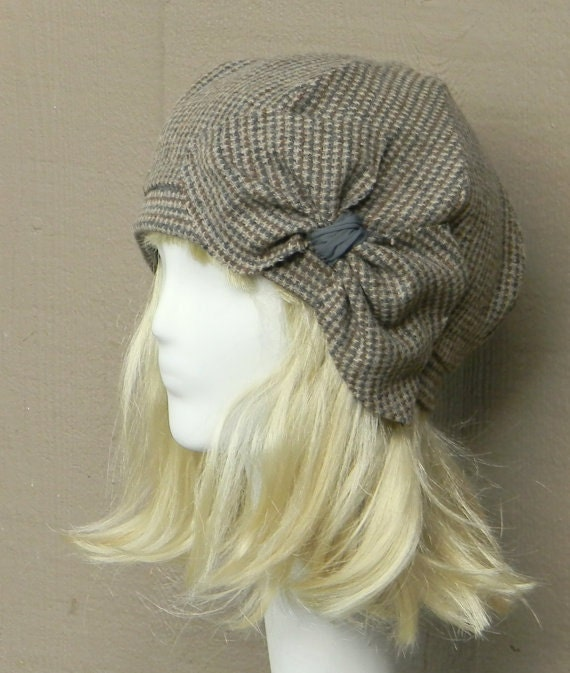Beret Hat Bow, Vintage Brown Herringbone Wool Beret , Beret Hat Wool Tweed Bow, Beret Bow