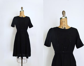 1940s 1950s dress - vintage little black dress - black rayon dress - Small - short sleeves