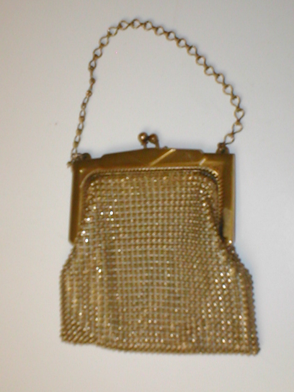 whiting and davis dating Whiting & davis, the world's leading mesh handbag manufacturer, offers beautiful high quality purses, evening clutches, shoulder bags and crossbody bags.